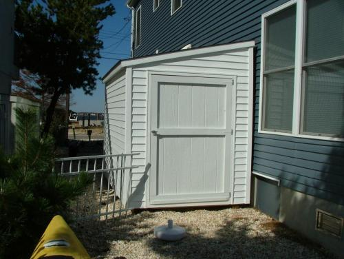 6x10 White Vinyl Lean-To